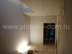Отделка гипсокартоном стен и потолков после ремонт в деревянном доме