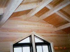 Отделка потолка в деревянном доме - мансарда
