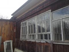 Старый деревянный дом требуется ремонт