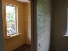Реконструкция деревянного дома, тамбур прихожая