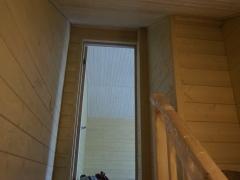 Реконструкция деревянного дома, дверь на второй этаж