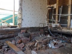 Реконструкция внутри деревянного дома