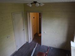 После ремонта пола - новые полы, отделка стен