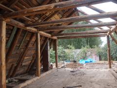 Замена крыши старого деревянного дома