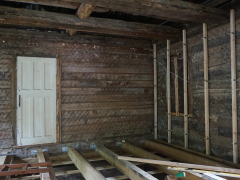 Ремонт внутри старого деревянного дома