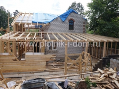 Строительство открытой веранды к дому