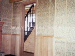 Комбинированная отделка стен в деревянном доме