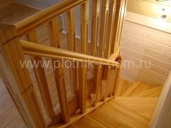 Лестница из дерева лисвенницы